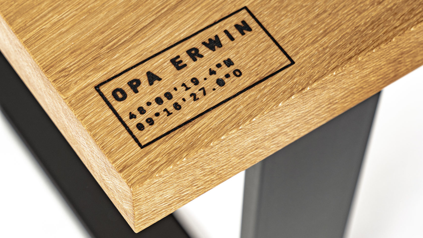 OPA ERWIN Esstisch No. 1 Ortskoordinaten Detail-1